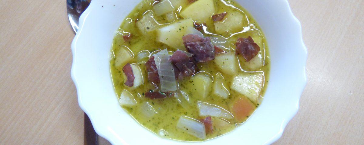 Apfel-Zwiebelsuppe